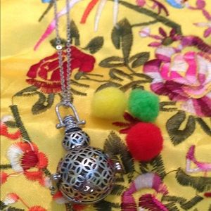 Jewelry - Aromatherapy Snowman Necklace 22 inches long